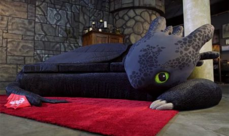 toothless_couch_1-1-620x371